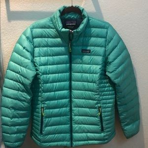 Patagonia down jacket in good condition size XL
